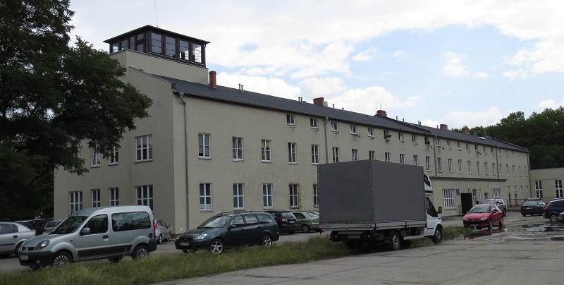 Wieża kontroli lotów - Gądów Mały, Wrocław (800x404)